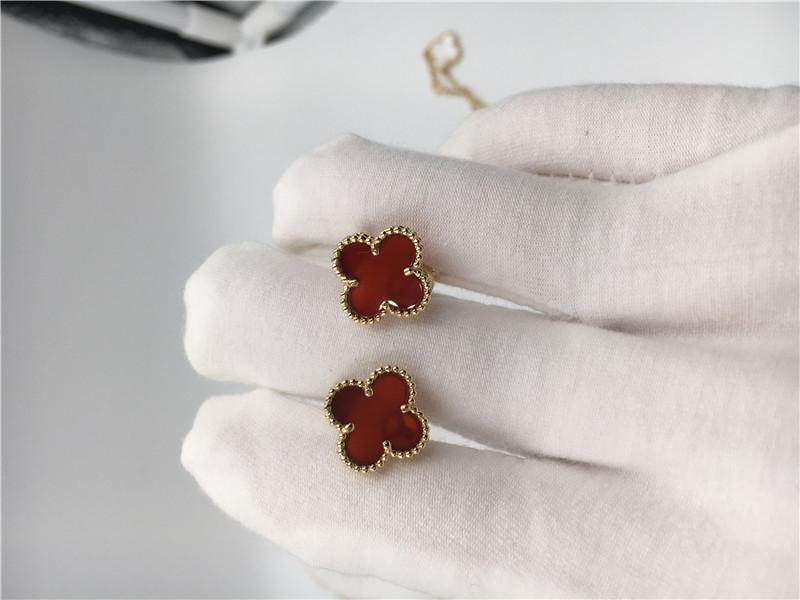 25f4df12d Van Cleef Arpels Sweet Alhambra earstuds 18k yellow gold with carnelian