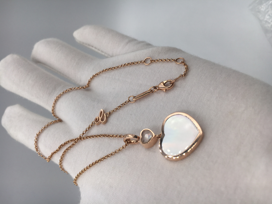 b95da4abb1872f Diamond Mother Of Pearl 18K Gold Necklace With Chopard Happy Hearts Pendant
